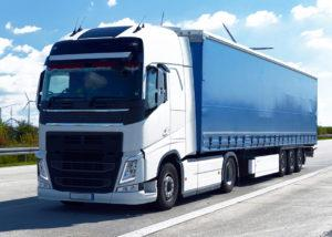 Samochód ciężarowy natrasie